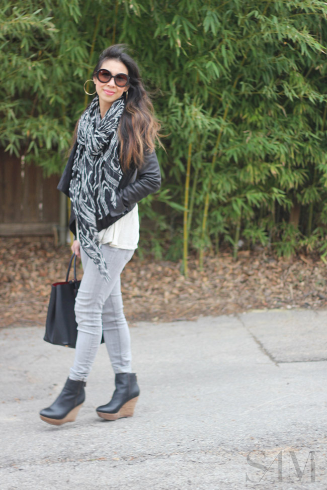style of sam, elaine turner skylar bootie, prada double bag, prada baroque sunglasses, black and white outfit