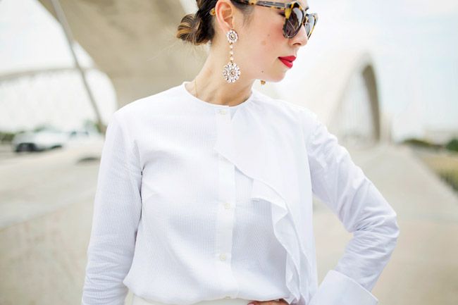 what to wear to diner en blanc, palmer harding pages top a/w 14, all white outfit, oscar de la renta jeweled drop earrings