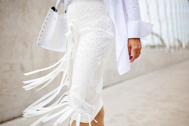 what to wear to diner en blanc, palmer harding fringe skirt a/w 14, all white outfit, oscar de la renta jeweled drop earrings