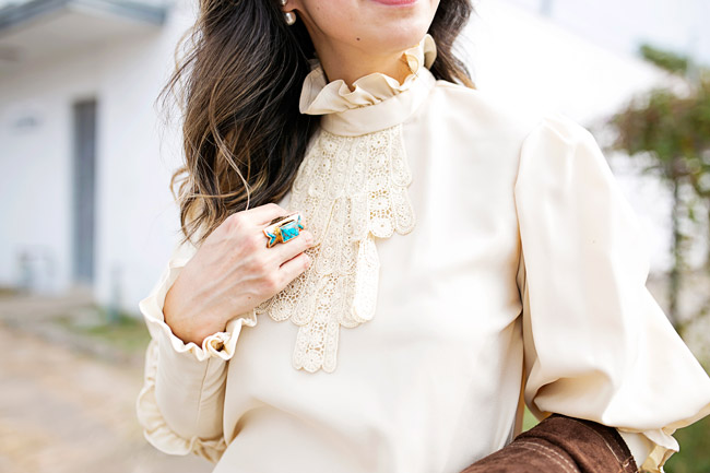 how to wear flare jeans, suede trench, victorian blouse, the 70s look