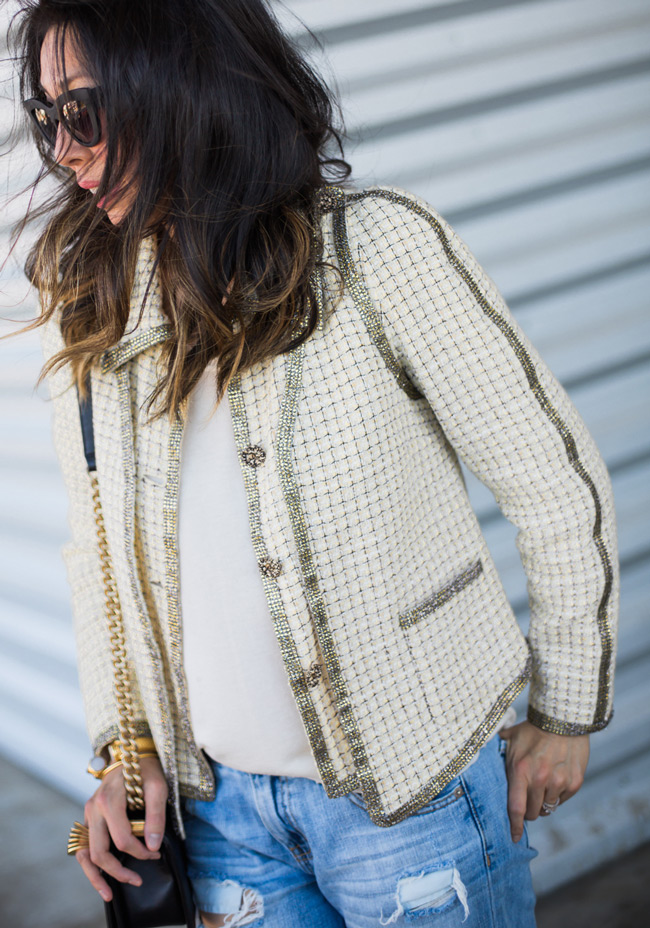 how to wear a chanel jacket with boyfriend jeans, quay kitty sunglasses, chanel boy bag
