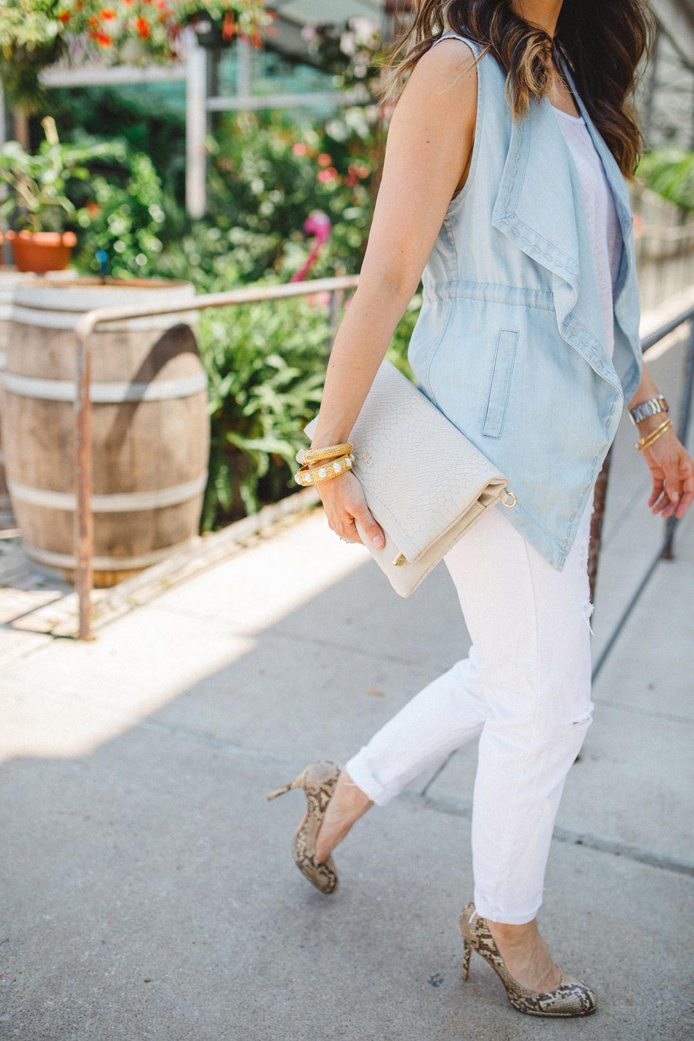 chambray vest with gigi carly clutch