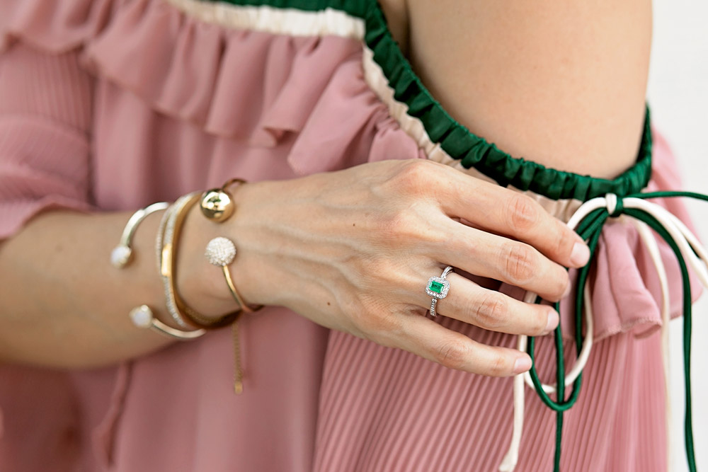 weekend outfit off the shoulder pink and green top, effy emerald ring