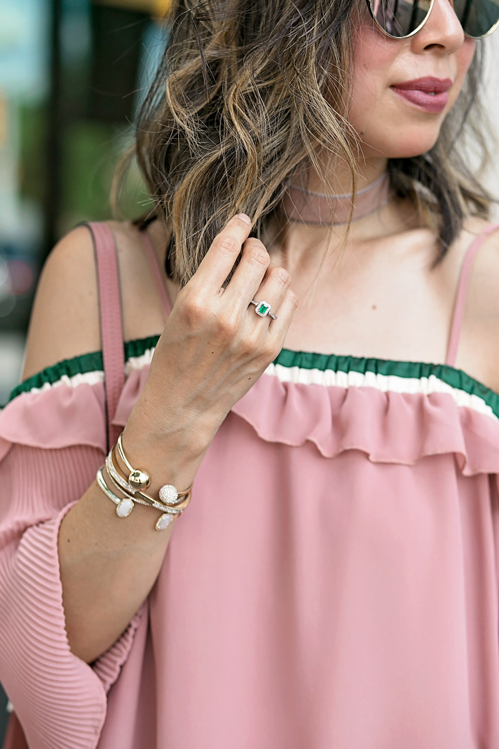weekend outfit off the shoulder top and levis high waist jeans, effy emerald ring