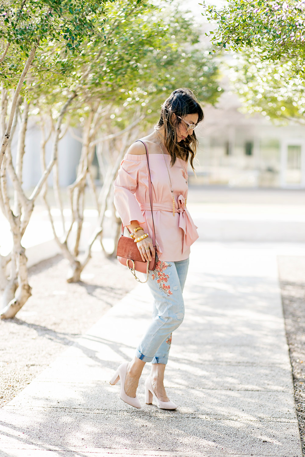 whbm pink off the shoulder top and embroidered girlfriend jeans with rose pink chloe faye bag