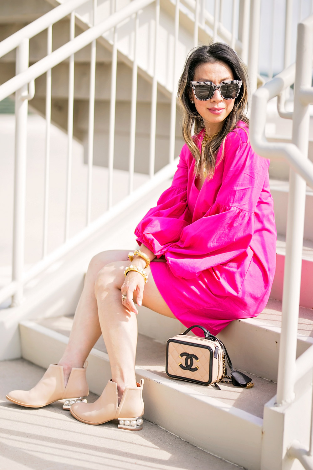 H&M pink balloon sleeve dress chanel filigree vanity bag black beige julie vos siena pendant jeffrey campbell musklo split pearl booties