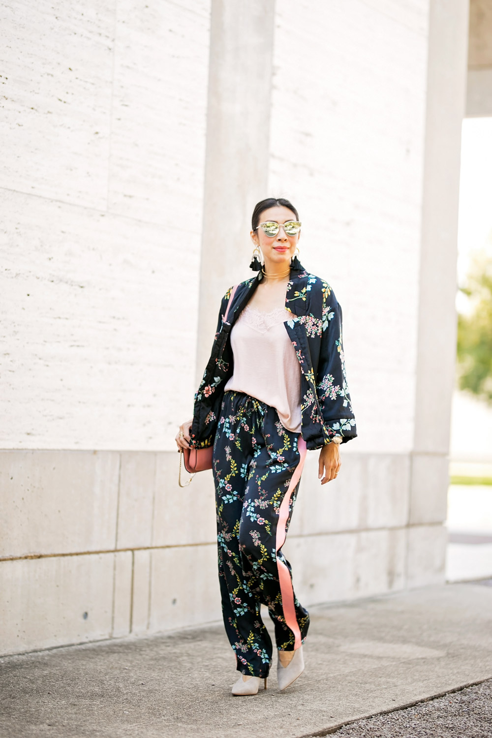 who what wear collection floral kimono pajama set pink lace cami chloe faye dior scult mirrored sunglasses