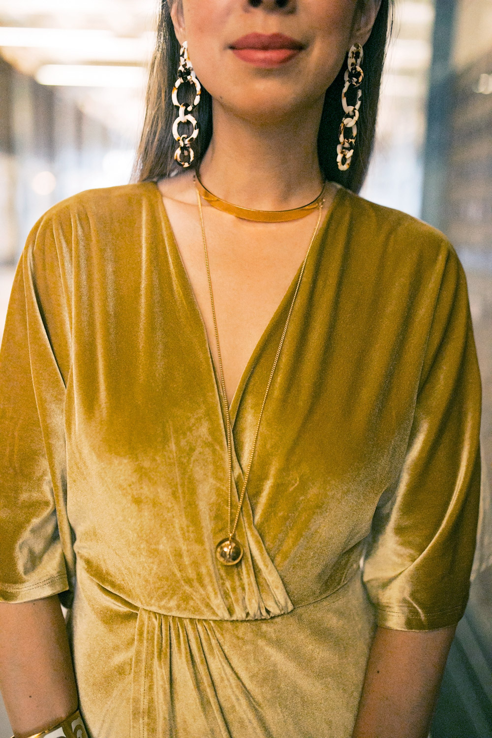 gold velvet dress lele sadoughi windchime earrings choker necklace
