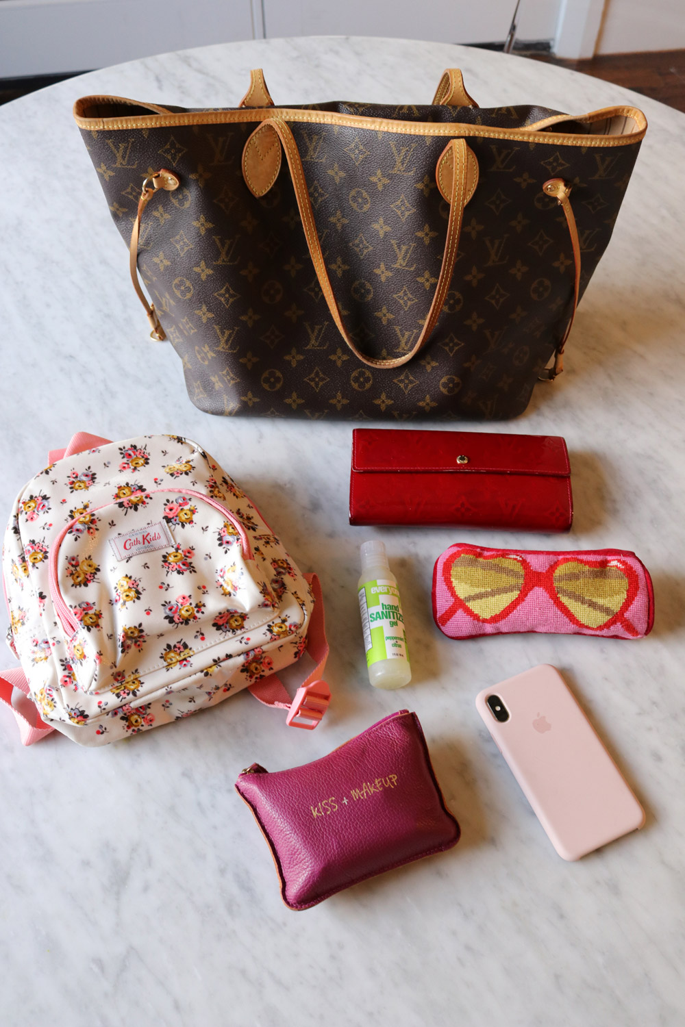 e76d6ab6e5c ... Louis Vuitton Neverfull MM Review what s in my bag ...
